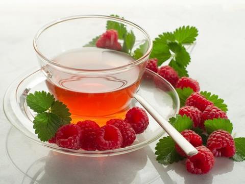 Чай с малиной - одно из лучших лекарств от температуры