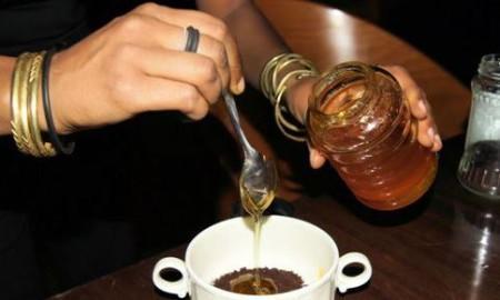 Кофе с медом и корицей