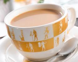 Чай с молоком – вредно или полезно