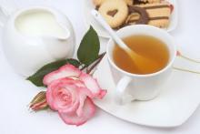 Употребление зеленого чая с молоком способствует похудению